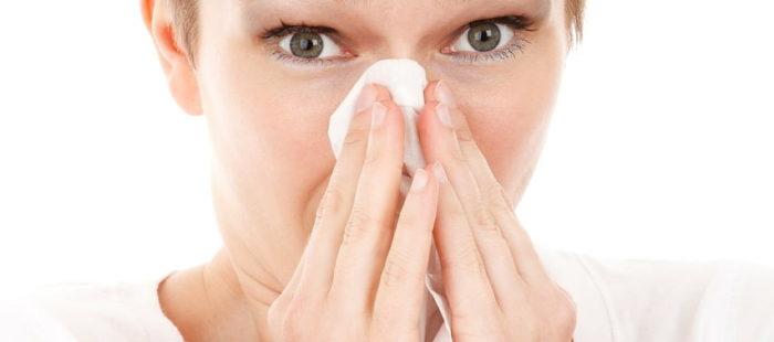 herpes under näsan