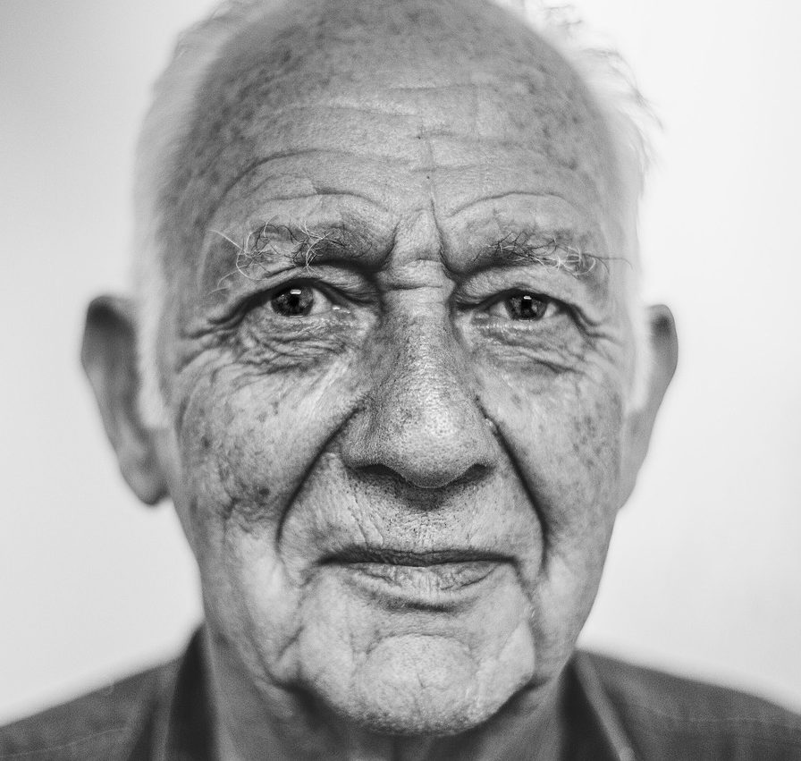 old-man-1208210_1280